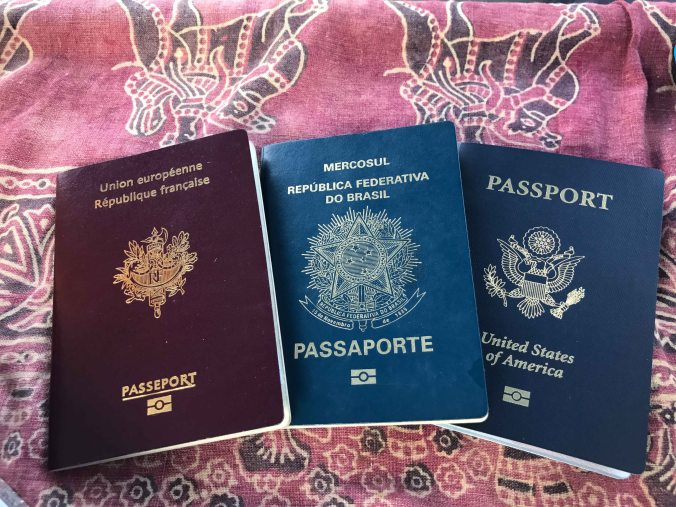 passports-on-entry-to-galapagos